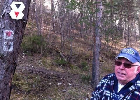 Harald Böhme an einem Exkursionsweg, den der Verein angelegt hat und pflegt