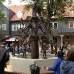 Im Oktober 2013 wurde der Bismarckbrunnen probeweise auf dem Markt aufgestellt